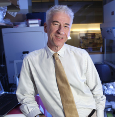 Ian Macara, Ph.D. the new chair of Cell and Developmental Biology. Story is about a research paper in the journal Cancer Cell, which showed that loss of polarity in epithelial cells increases tumor growth and metastasis in a mouse model. Vanderbilt University Medical Center photo: Anne Rayner; Vanderbilt