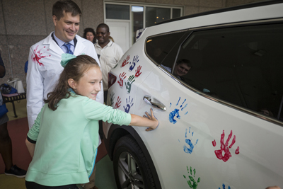Hope on Wheels handprints
